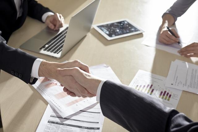 弊社は何よりも顧客満足度を重視致します。